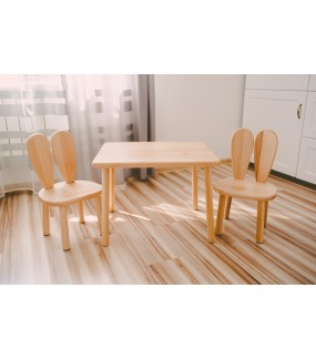 Stolik i krzesełka z drewna dla dziecka