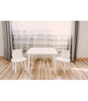biały stolik z drewna dla dziecka + krzesełka
