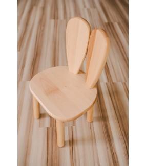 krzesełko z drewna dla dziecka